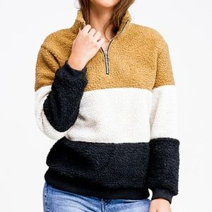 COLOR BLOCK QUARTER ZIP SHERPA PULLOVER